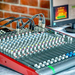Muzykalnoe oborudovanie otfotoshopit